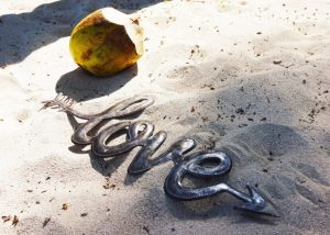 Metal-Art-Love-Handgemaakt-in-Haïti
